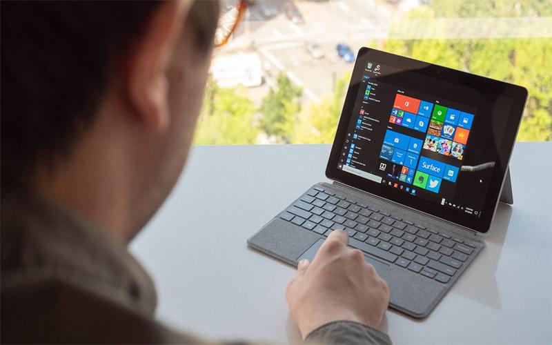 Surface Go là chiếc máy tính nhỏ nhất thế giới