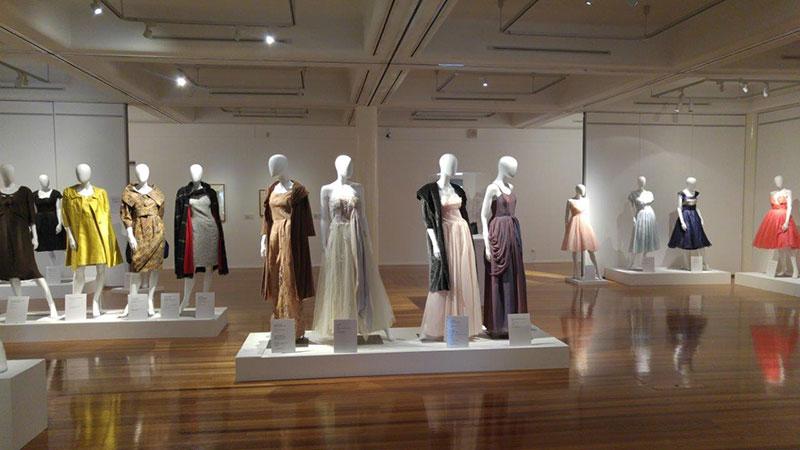 Xu hướng mua sắm thời trang tăng cao